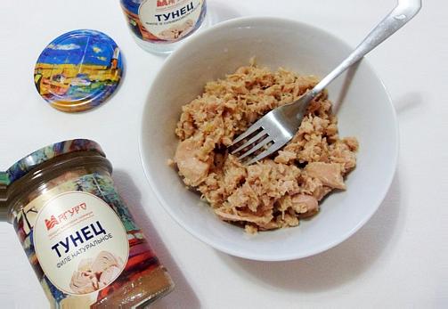 консервированный тунец раскрошить вилкой  для рецепта нисуаз с тунцом классический