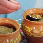 biff i potter med poteter og sopp